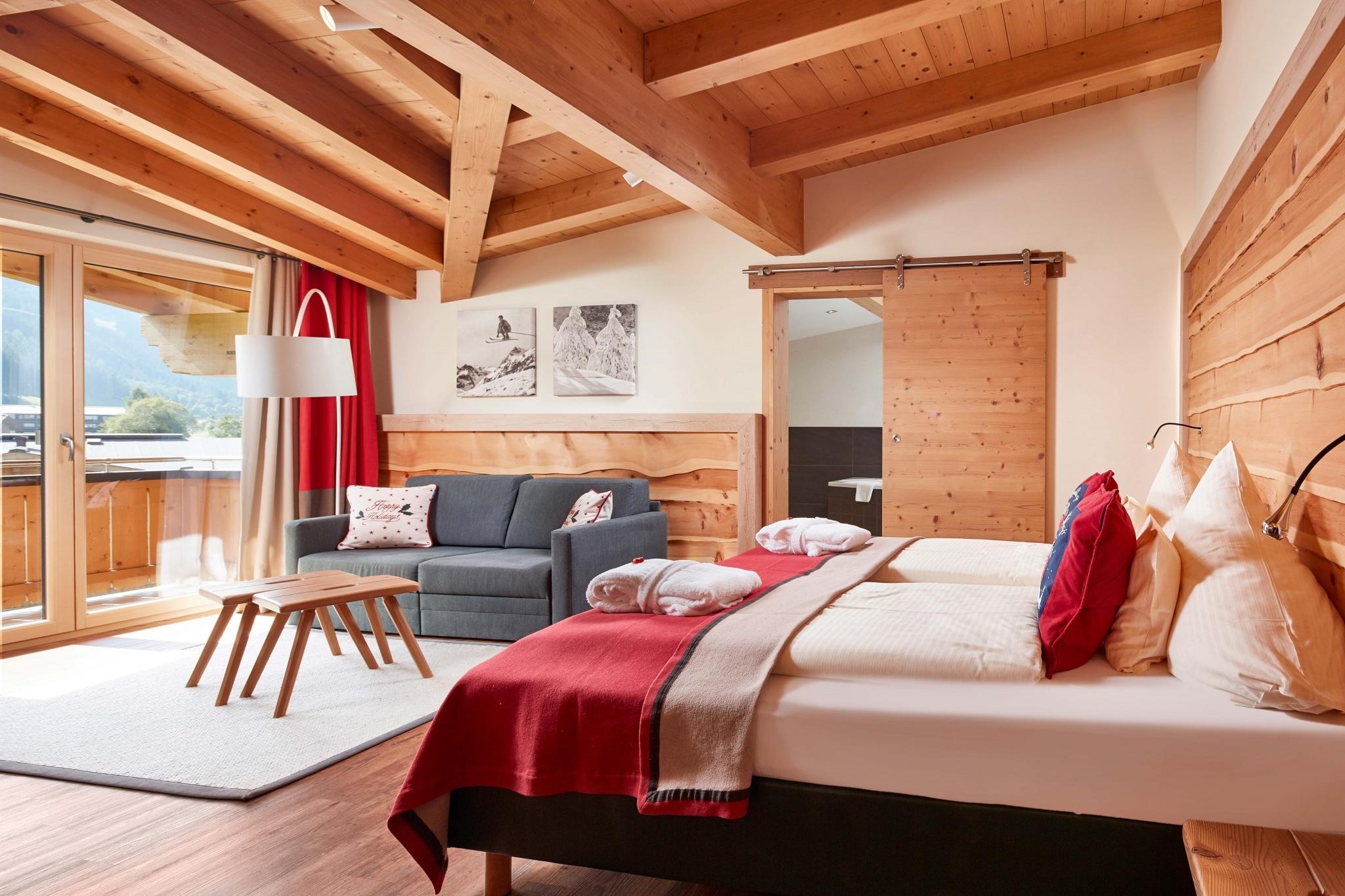 12er Kogel mit Doppelbett und Sofa