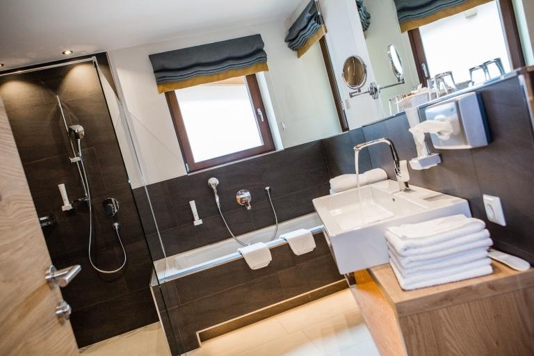 Hotel Hasenauer Bad mit Badewanne