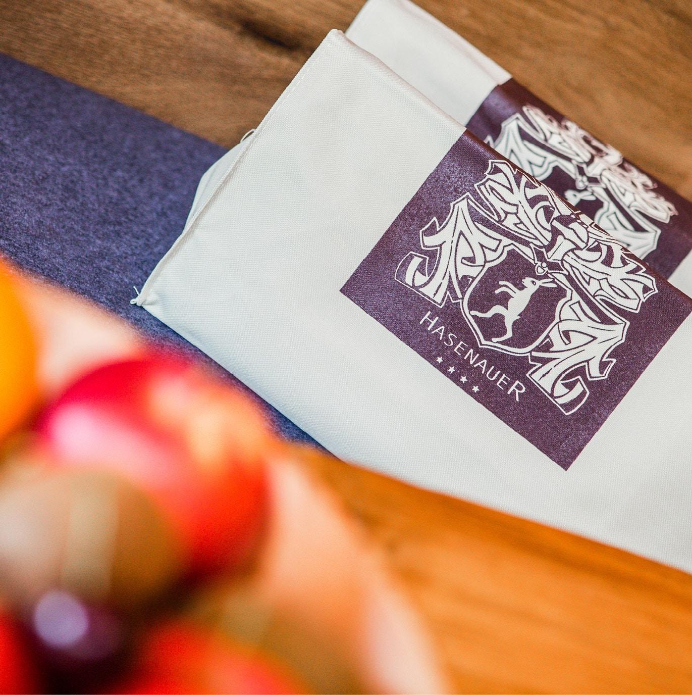 Hotel Hasenauer Tasche mit Logo Detailaufnahme