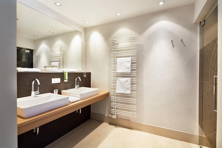 Junior Suite Schattenbergblick Badezimmer