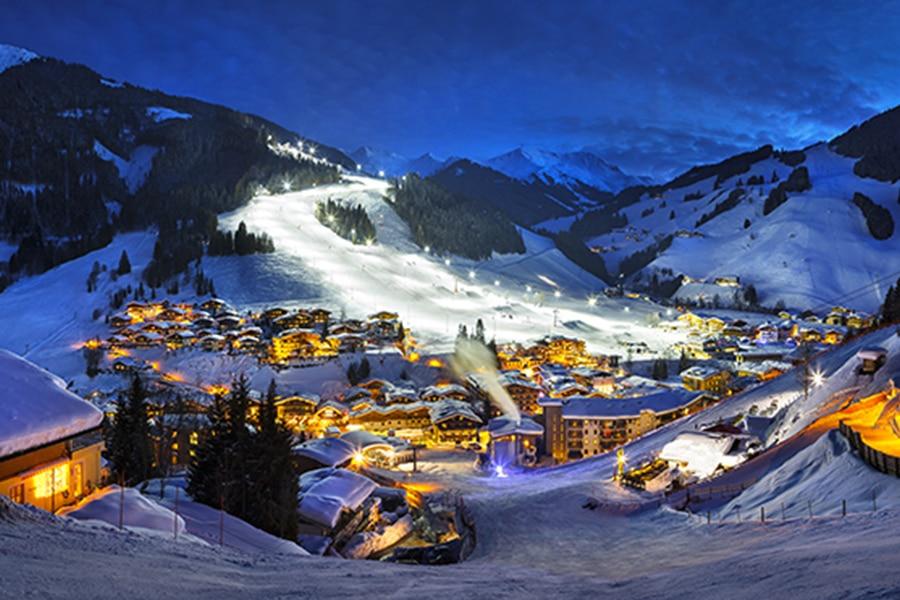 Dorf bei Nacht