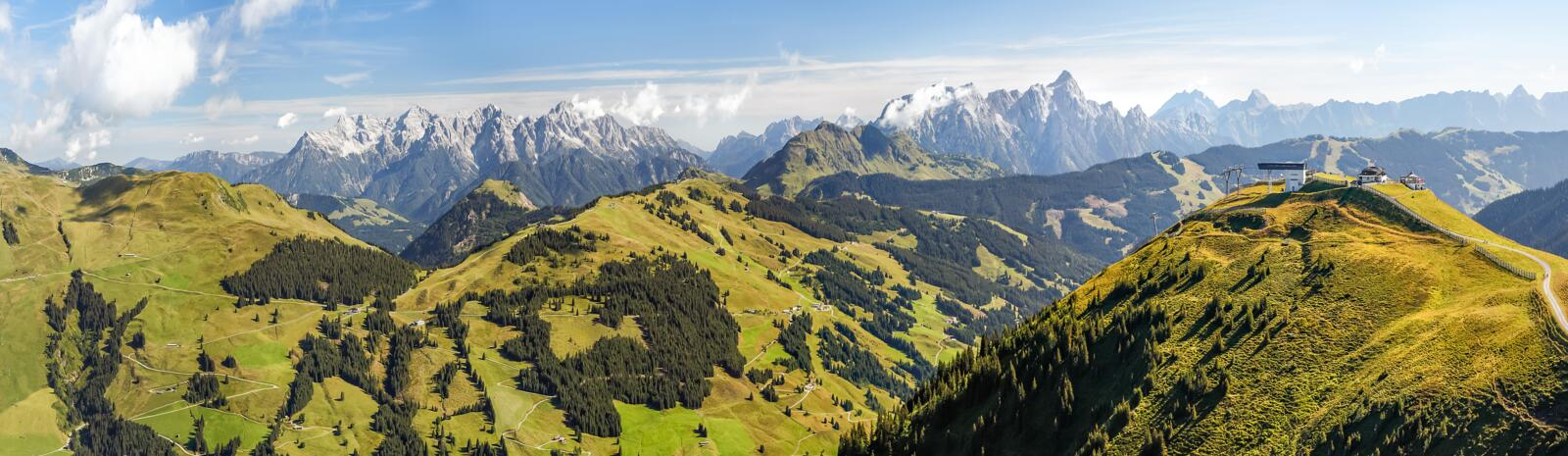 Bergpanorama Saalbach im Sommer
