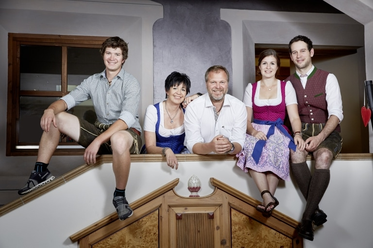 Familie Hasenauer in Tracht