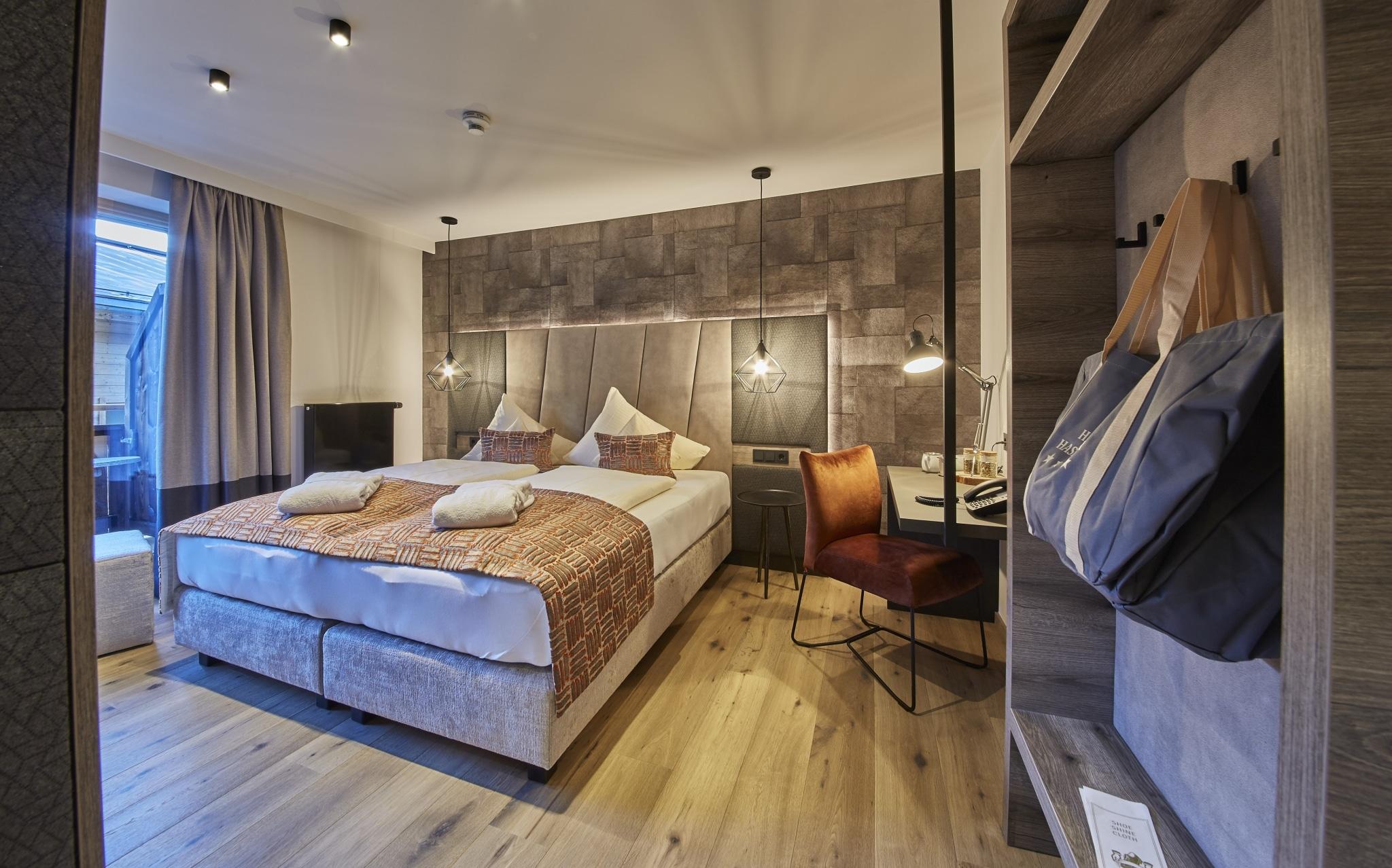 Wohn- und Schlafbereich im Doppelzimmer Hochalm