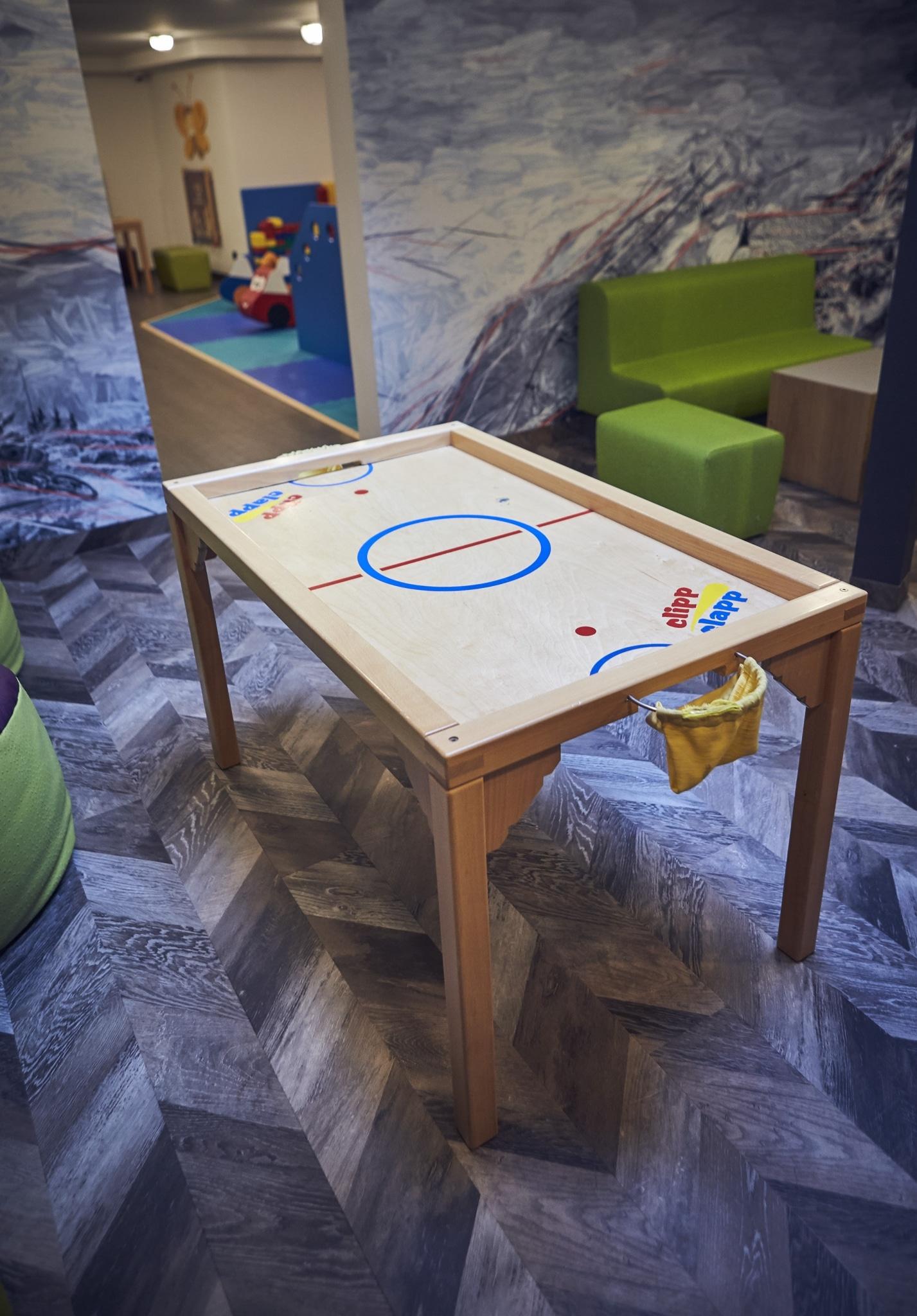 Unser Clipp-Clapp-Tisch in der Familien-Spielewelt