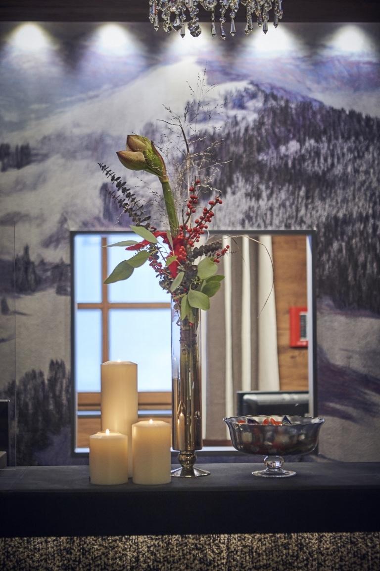 Blume als Dekoration in einer Glas-Vase