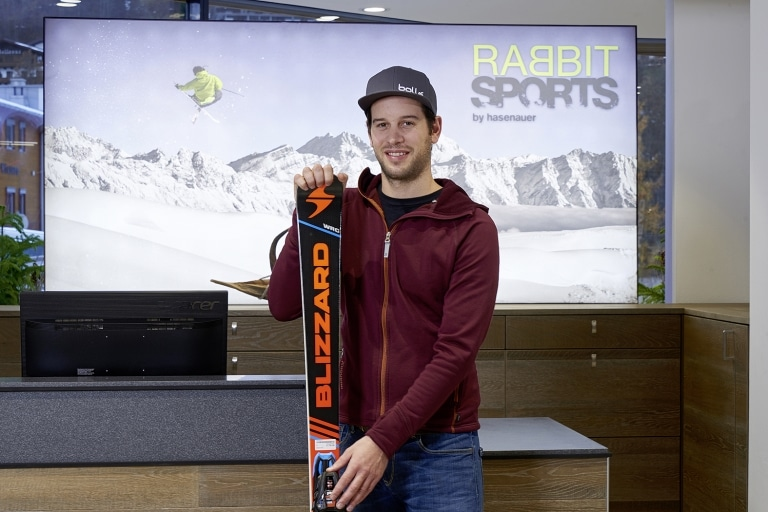 """Hans Hasenauer im Sportshop """"Rabbit Sports"""""""