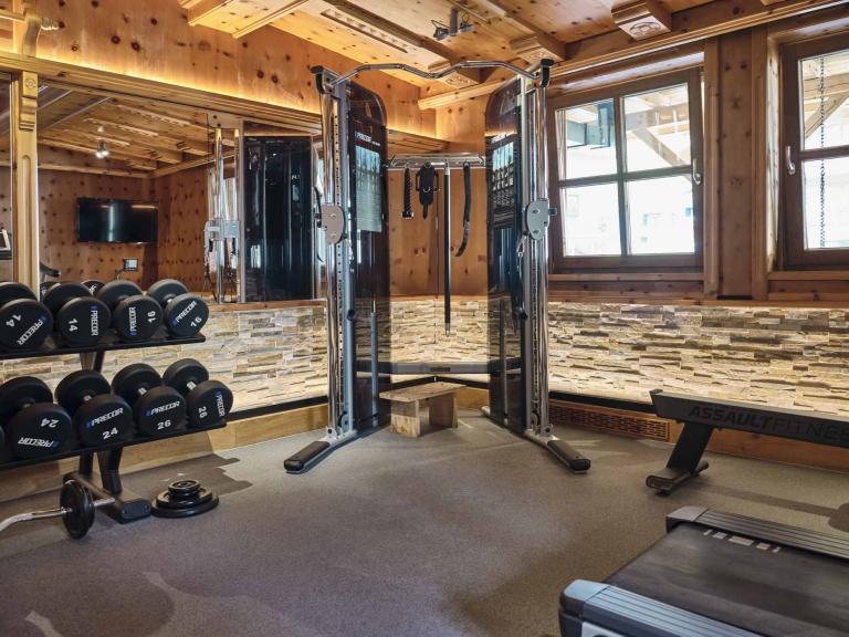 Ein Fitnessgerät im Hotel Hasenauer Fittnessraum