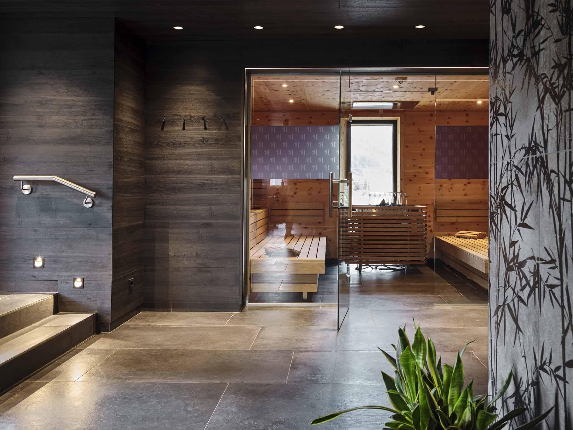 Die Sauna im Hasenauer mit offener Glastüre